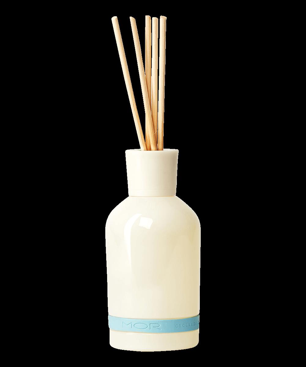 cord02-cyclamen-tuberose-reed-diffuser